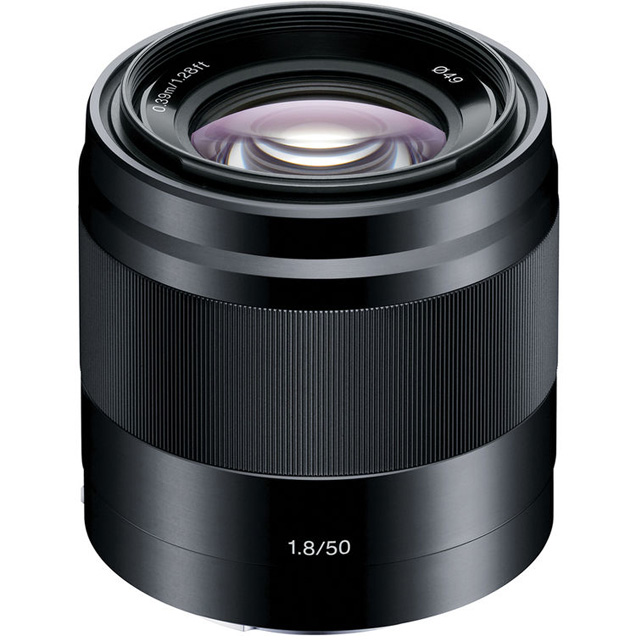 Sony E 50mm F/1.8 OSS